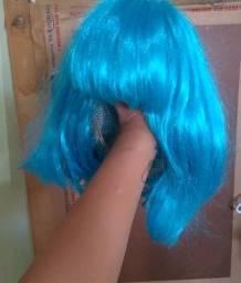 Peruca azul curta usada