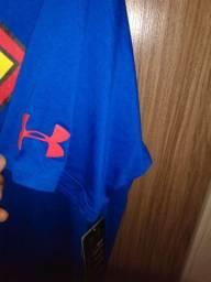 Camisa Marvel e futebol internacional