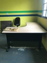 Mesa de escritório + cadeira 400,00
