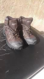 Sapatos estilo bota