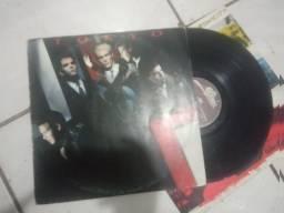 5 discos (Tokyo,Raul Seixas, Kiss,the police,a-ha