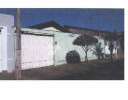 Casa à venda com 2 dormitórios em Centro, Iturama cod:750deee92ee