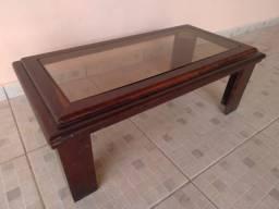 Mesinha de madeira com tampo de vidro