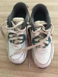 bfac5aaefd Tenis masculino infantil TAM 31 EUA Nike