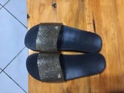 Sandalhinha miss-miss preta com dourado tamanho 33/34
