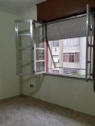 Ap Sala e quarto - 33m²- Rua Tenente Possolo