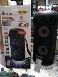 Caixa de som com Bluetooth e pendrive.