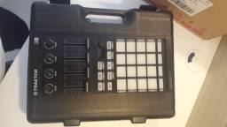 Controlador Traktor Kontrol F1 Native Instruments (novo, estados unidos)