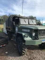 Caminhão REO Militar 4x4