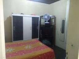 Alugo quarto mobiliado 350