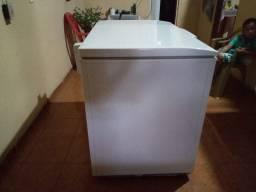 Vendo freezer com pouco tempo de uso