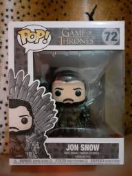 Funko Pop! Deluxe: Game of Thrones - Jon Snow sentado no trono de ferro 72