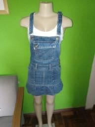 Jardineira/Salopete  Modelo Saia Jeans - Tamanho 38