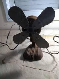 Ventilador Antigo Em Ferro Fundido Pequeno Sem Teste