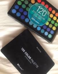 Vendo paleta de maquiagem com 120 cores