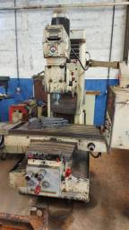 Fresadora ferramenteira de grande porte