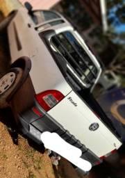 Vende se um Fiat strada completa