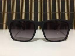 (Aceito cartão) Óculos solar unissex Quadrado -Lente: Preta degradê Chilli Beans
