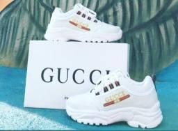 Gucci na caixa da loja