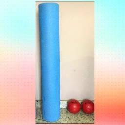Rolo de exercícios e liberação miofascial + par de toning ball 1kg cada