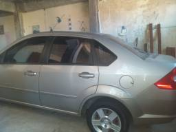 Ford Fiesta Sedan 2009 completo  flex