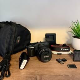 Canon EOS M - Kit Completo