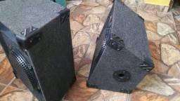 2 caixas trio 12 polegadas jbl e 1 tripé