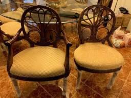 Vendo 8 cadeiras para sala de jantar em madeira maciça com assento em jacquard bege