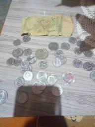 Notas e moeda antiga