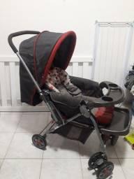 Carrinho de bebê e bebê conforto