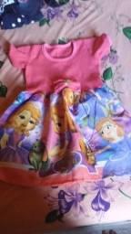Vestidos e macaquinha infantil