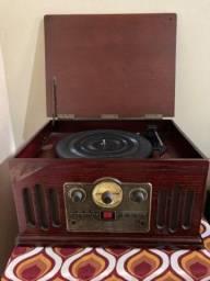 Vitrola Retrô, toca discos, CD, rádio e AUX