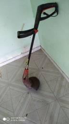 Máquina de cortar mato