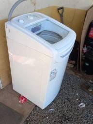 Vendo máquina de lavar 8Kl interessados *?