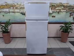Vendo Geladeira Duplex, Frostfree de 390l, valor R$ 800,00