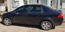 Ford Fiesta Sedan 1.6 completo - 2010