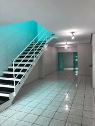 Alugo casa Duplex em Condomínio perto da Nilton Lins com 03 Quartos