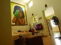 Alugo Casa Histórica no Centro de Manaus com 3 Quartos e 1 Suíte