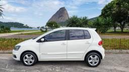 Volkswagen Fox 1.6 Automático Top de Linha 21.000 Kms + Borboleta no Volante - 2015