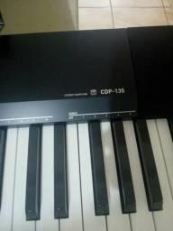 Piano Eletrônico Cássio Cdp 135