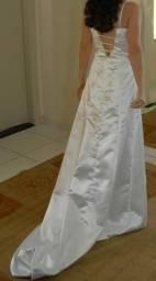 Vestido branco de noiva bordado - Semi Novo