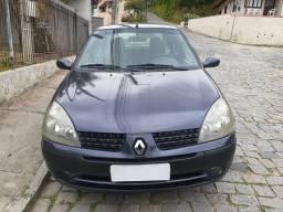 Clio Sedan 1.0 16v 2004 Completo - 2004