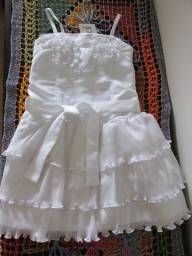 Vestido branco Tyrol tam 4 anos 75df9d59bab