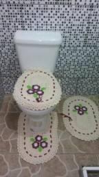 Kit 3 Jogo De Banheiro Conjunto Colorido Crochê Feito A Mão + Cordão de coração de Brinde