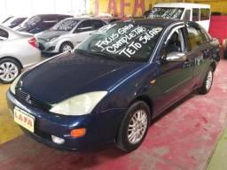 Ford Focus Ghia 2.0 gasolina 4pts, azul, completíssimo, teto solar, bancos em couros -2001 - 2001