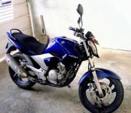 Moto Yamaha 250 cilindrada - 2008