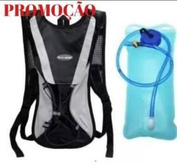 Mochila camelbak hidratação reservatório 2 litros nova