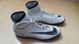 Chuteira Nike Mercurial prateada original socyte n 40, semi nova