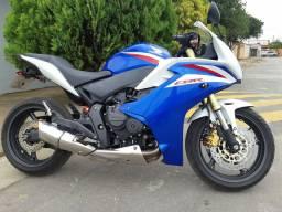 Moto CBR 600 25.900,00