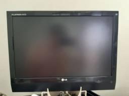 """TV MONITOR 16"""" LG C/CONTROLE USADA"""